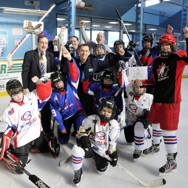 Rotary Charity Fundraiser David Cross helps SPICE (Special People on ICE) achieve their trip to Canada
